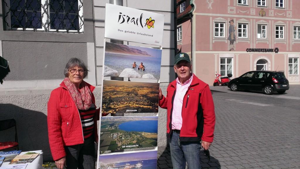 Allgaeuer Israelfreunde 11 Mai 2014 Infostand von Erika und Ernst Mayer in Kempten 30496575